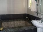 黑金鋼音樂泉泡湯浴缸